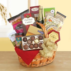 Snacker's Retreat Gift Basket